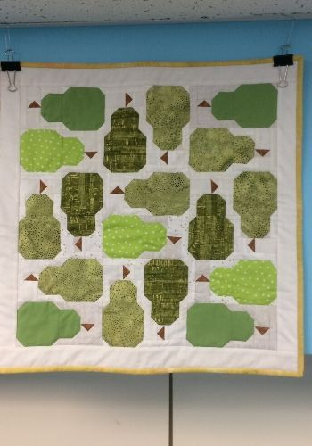 "Pear Quilt - Table Topper 21"" x 21"""